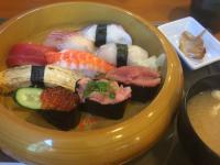 お得な平日にぎり寿司ランチ。「鮨蔵」